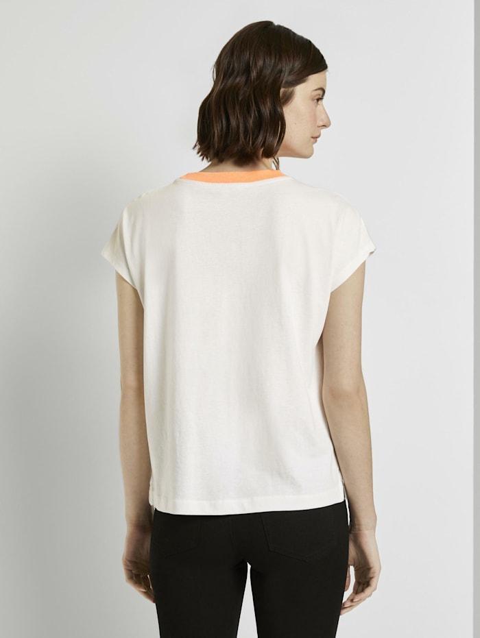 Schlichtes T-Shirt mit Stehkragen