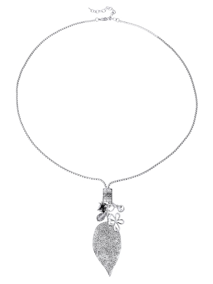 Necklace with leaf pendant