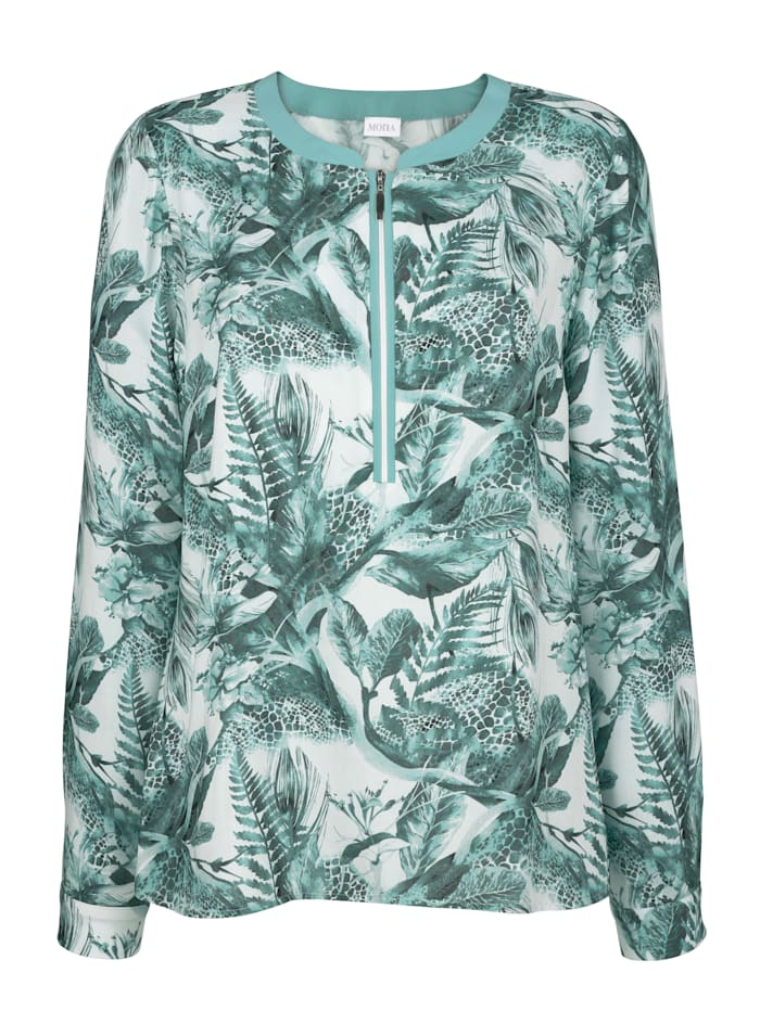 Pull-on blouse with a zip placket