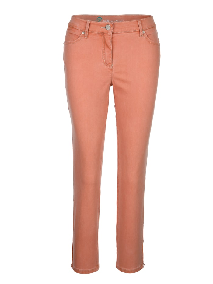 Cropped jeans with zipped hem
