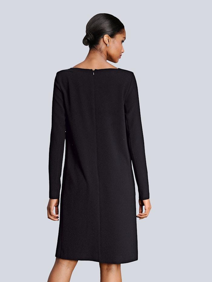 Kleid in raffinierter Schnittführung