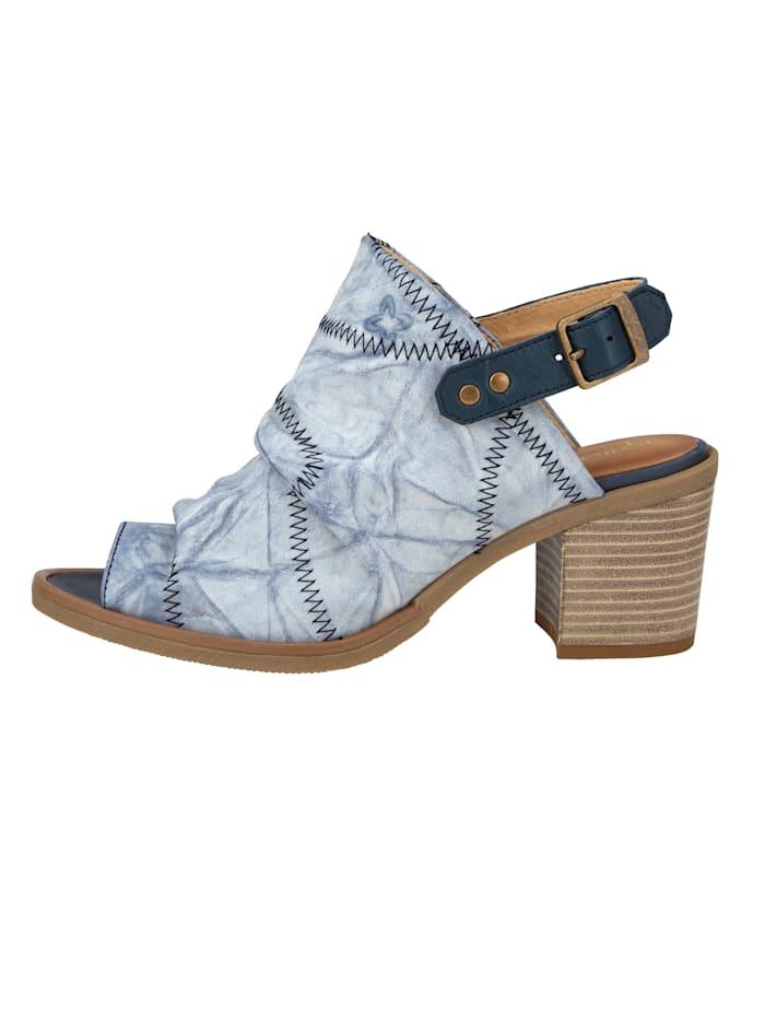 Sandaaltje met contrastkleurige siernaden