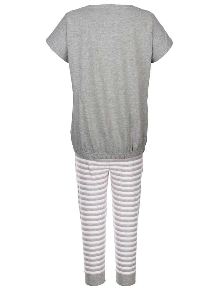 Schlafanzug im zeitlosem Streifen-Look