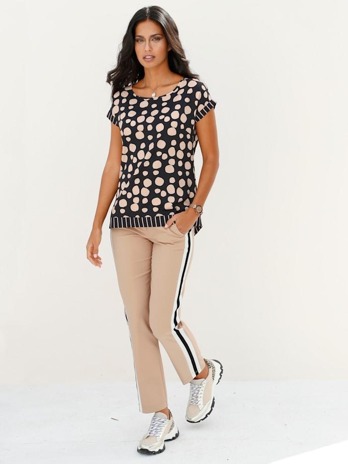 Bluse mit modisch grafischem Muster