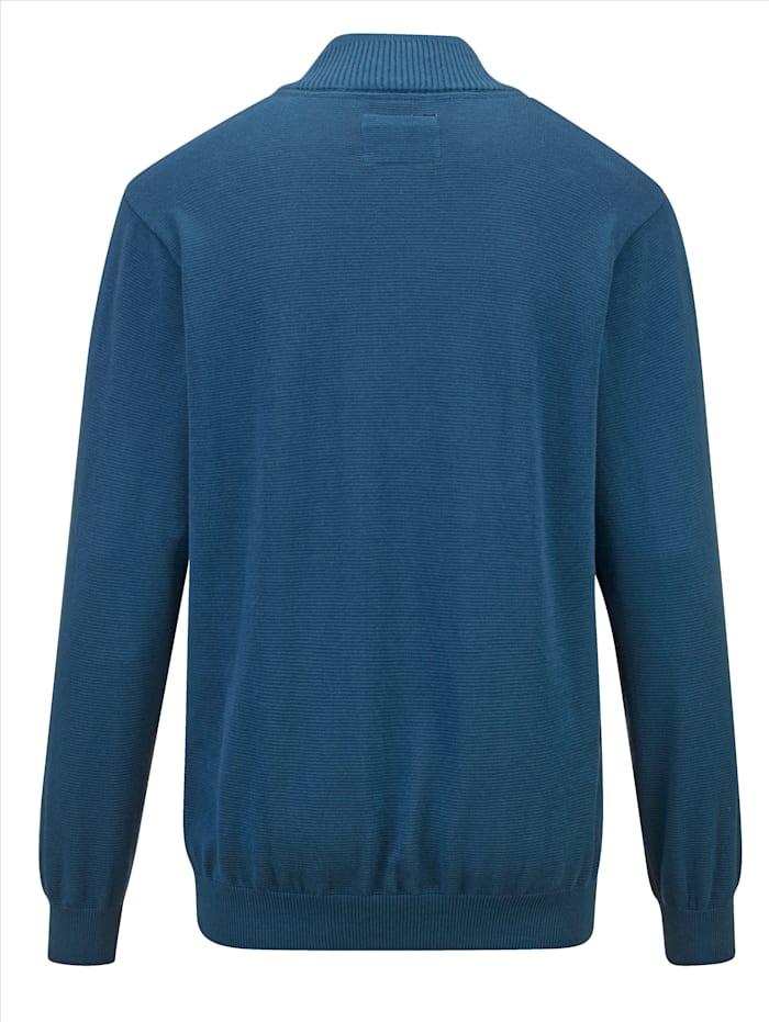 Pullover mit aufwändigem Strukturstrick im Vorderteil