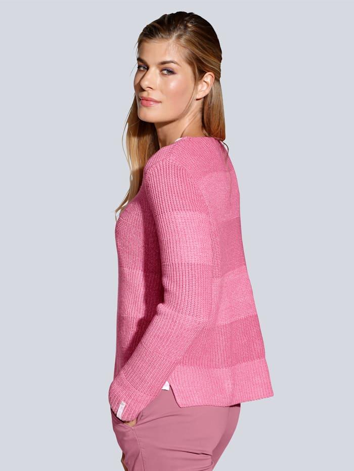 Pullover mit kleinen Seitenschlitzen