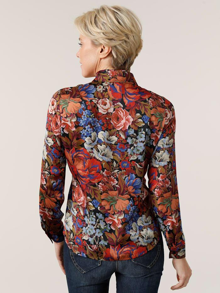 Blouse with a unique floral print