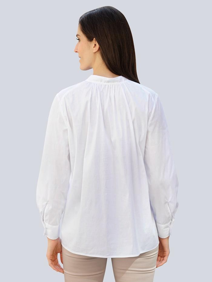 Bluse in modischer Oversized-Form
