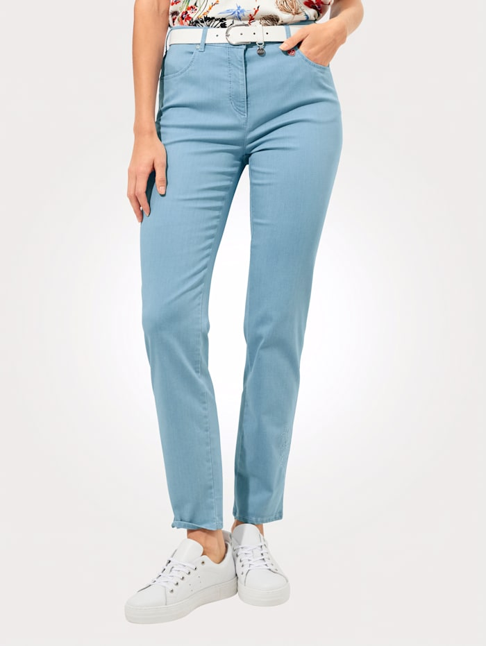 Relaxed by Toni Jeans mit toniger Stickerei, Hellblau
