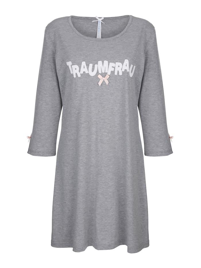 Nachthemd met praktische mouwsplitten