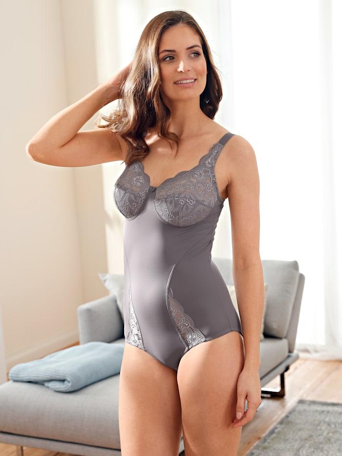 Body Elegant lace detailing