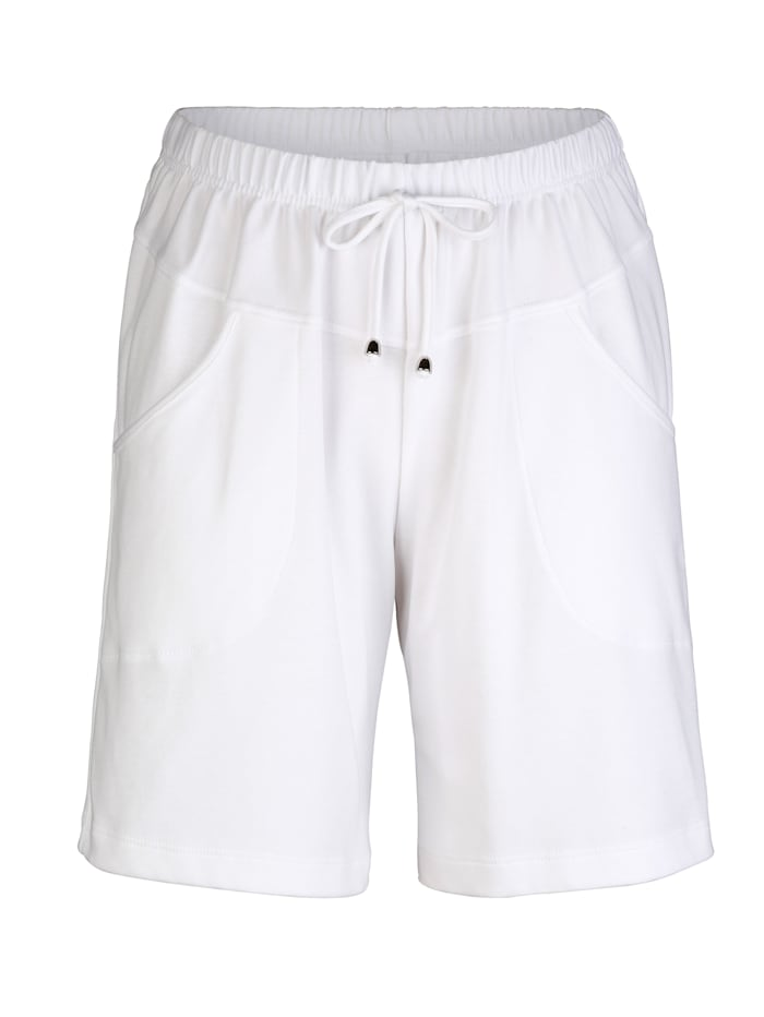 Shorts in knielanger Form