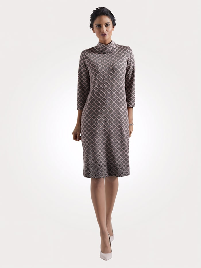 Dress made from jersey jacquard