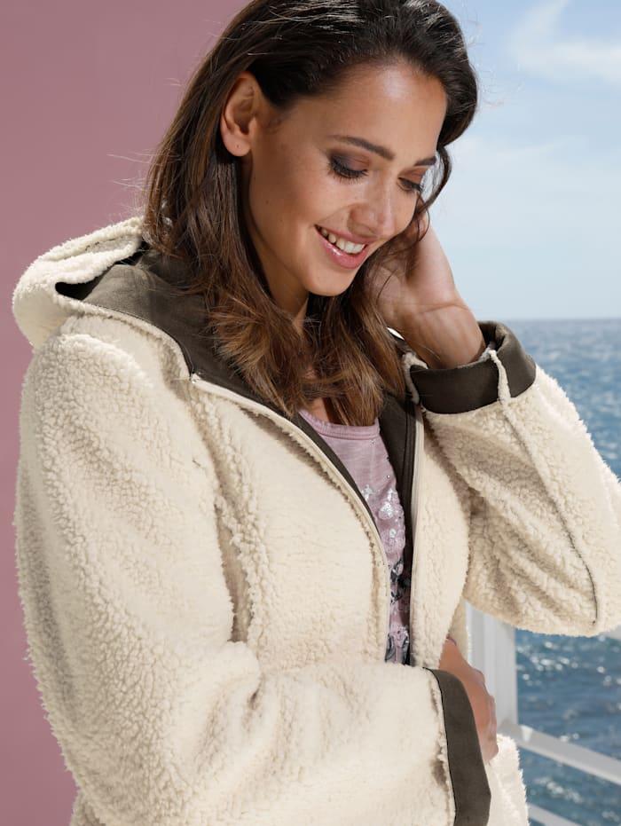 Jacke aus flauschigem Kunstfell