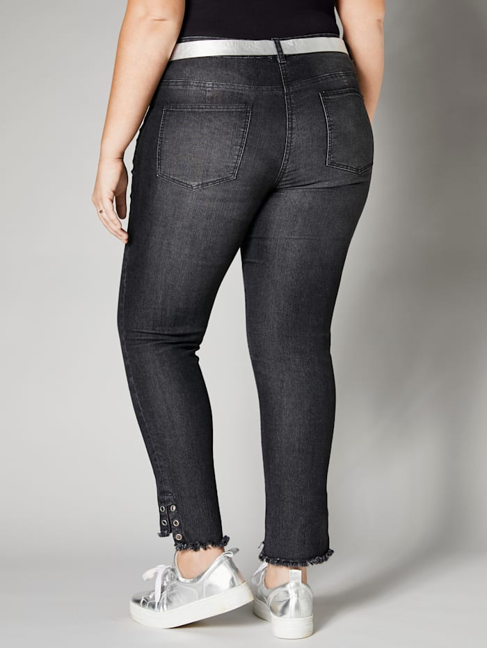 Jeans mit offenen Kanten