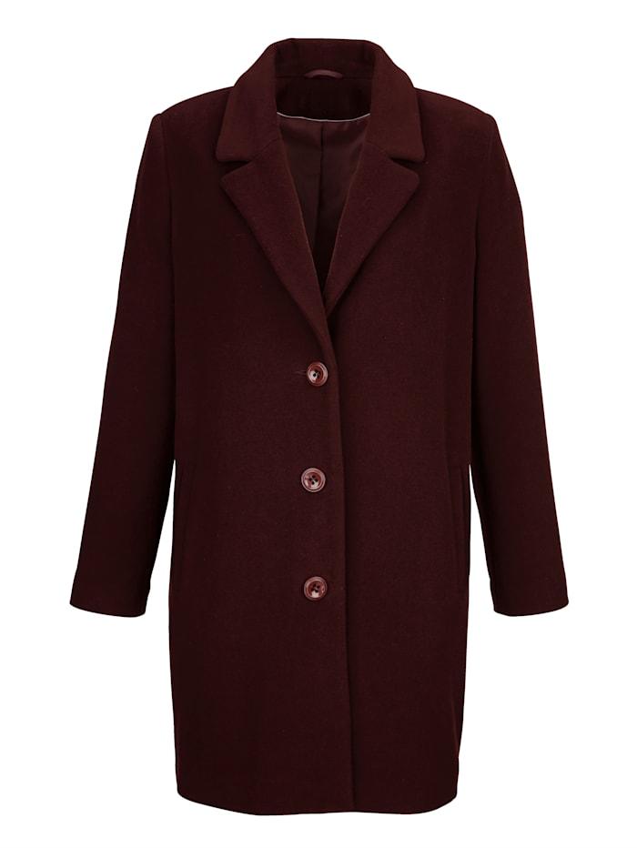 Vlněný kabát v klasickém střihu