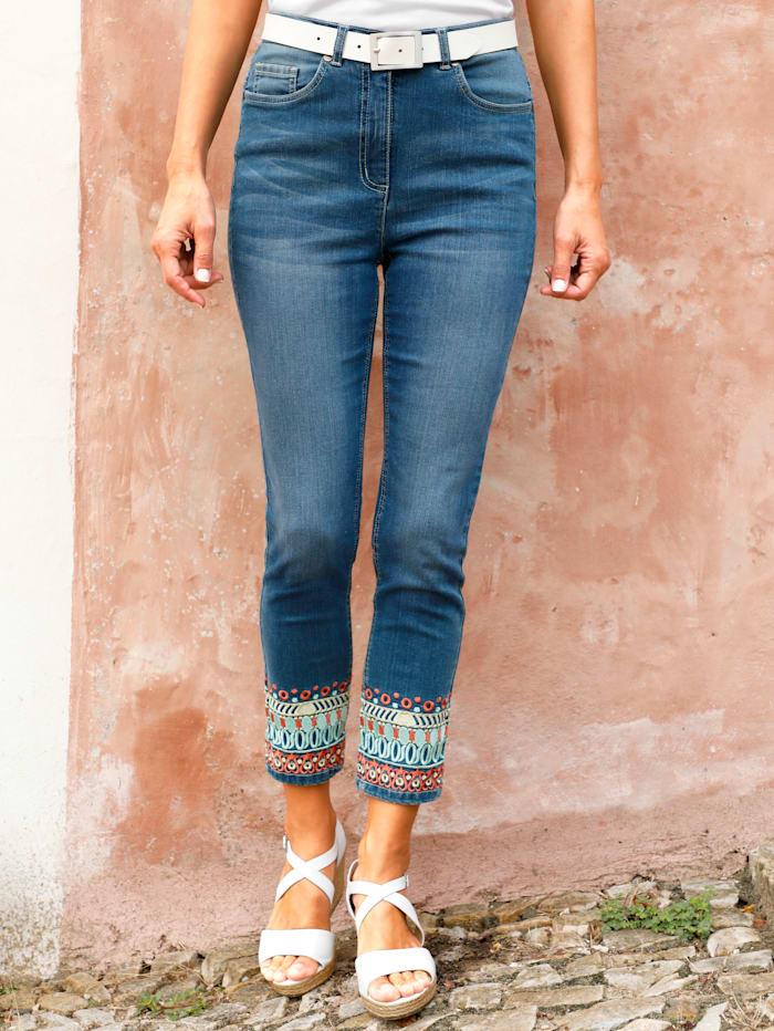 Paola 3/4 Jeans mit effektvoller Bordürenstickerei, Blue stone