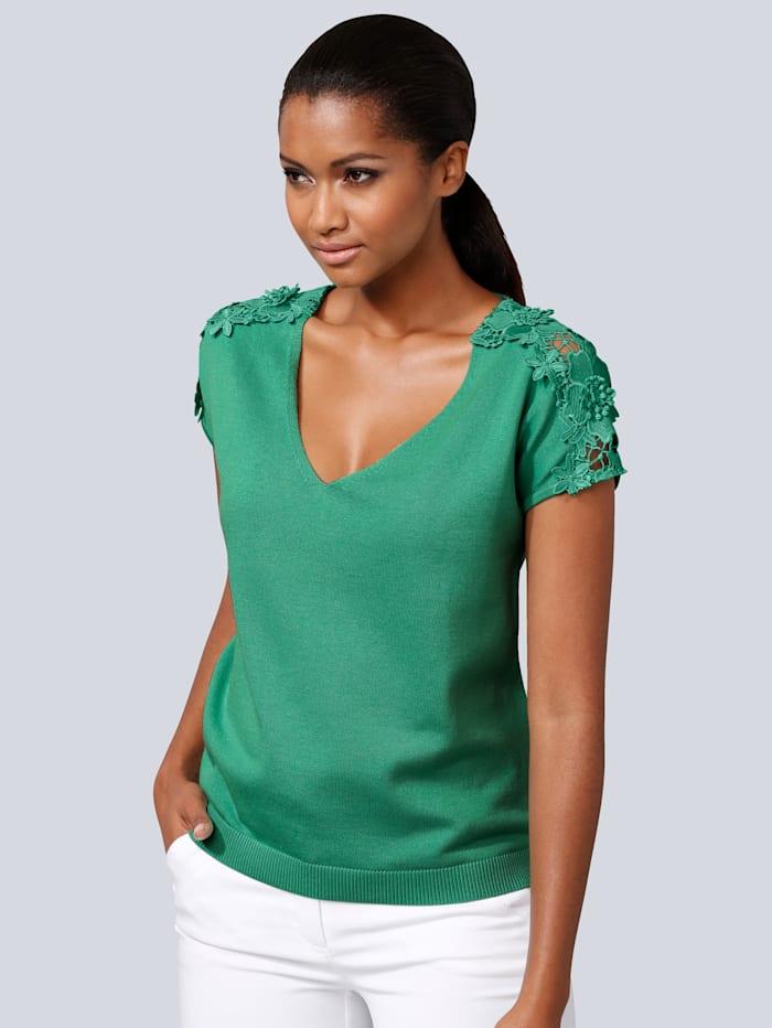 Pullover mit dekorativem Spitzenbesatz