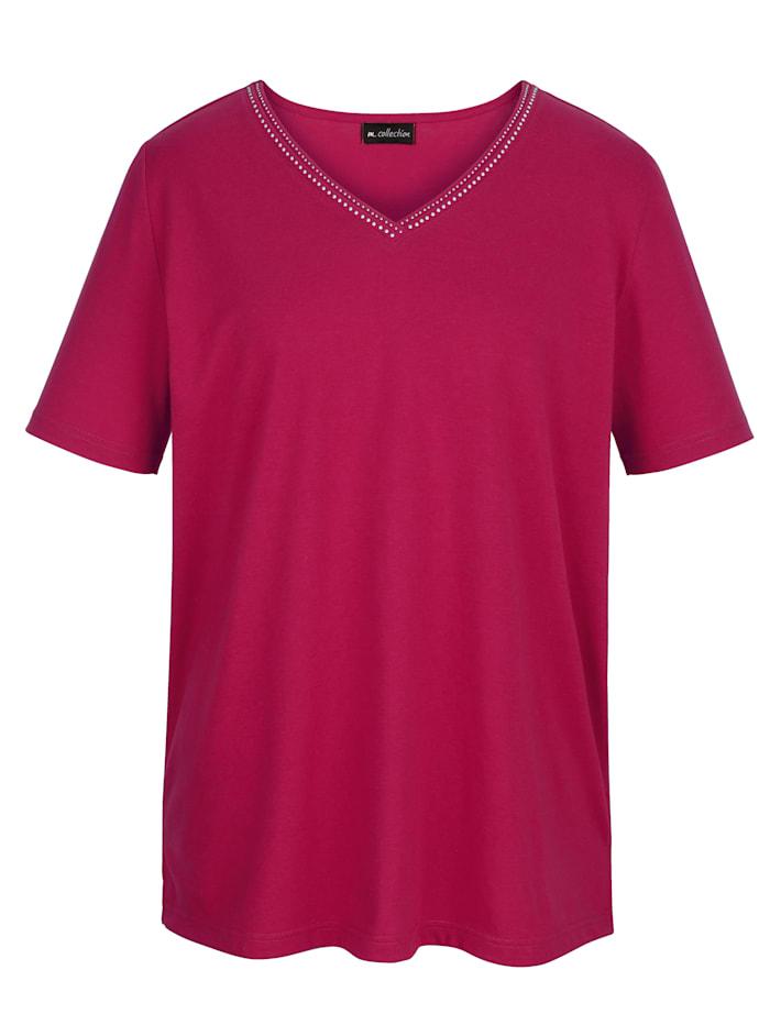 Shirt mit dekorativer Nietenapplikation am V-Ausschnitt