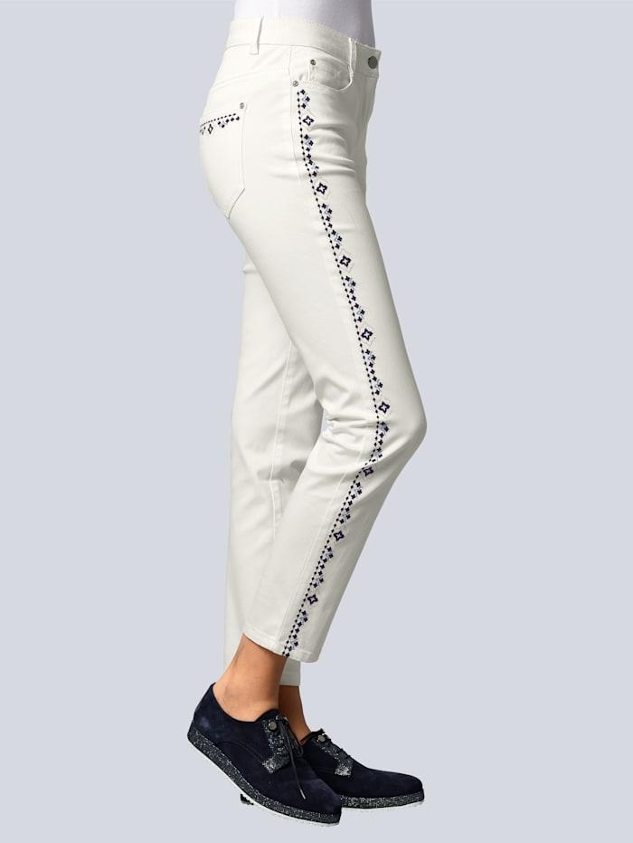 Jeans mit exklusiver Stickerei