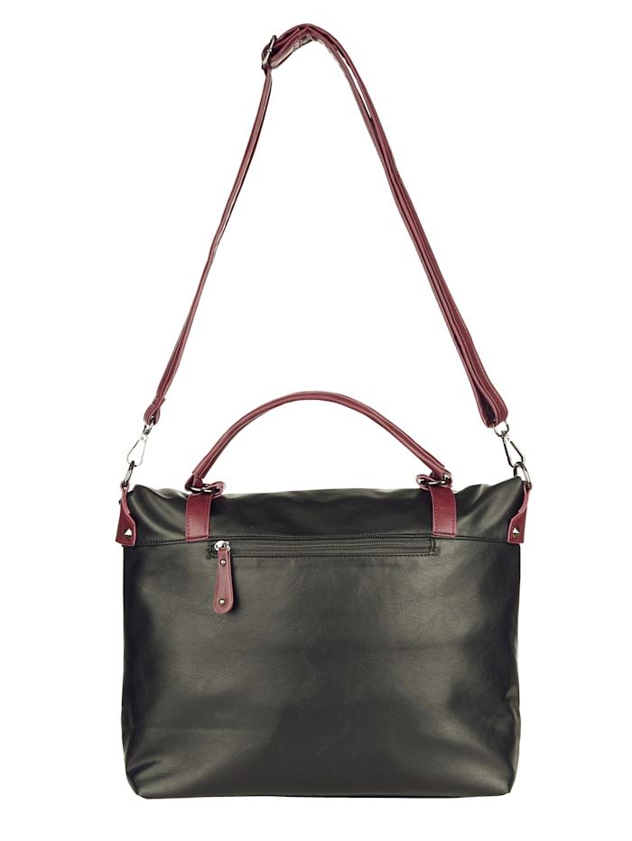 Handtasche mit nietenbestücktem Überschlag