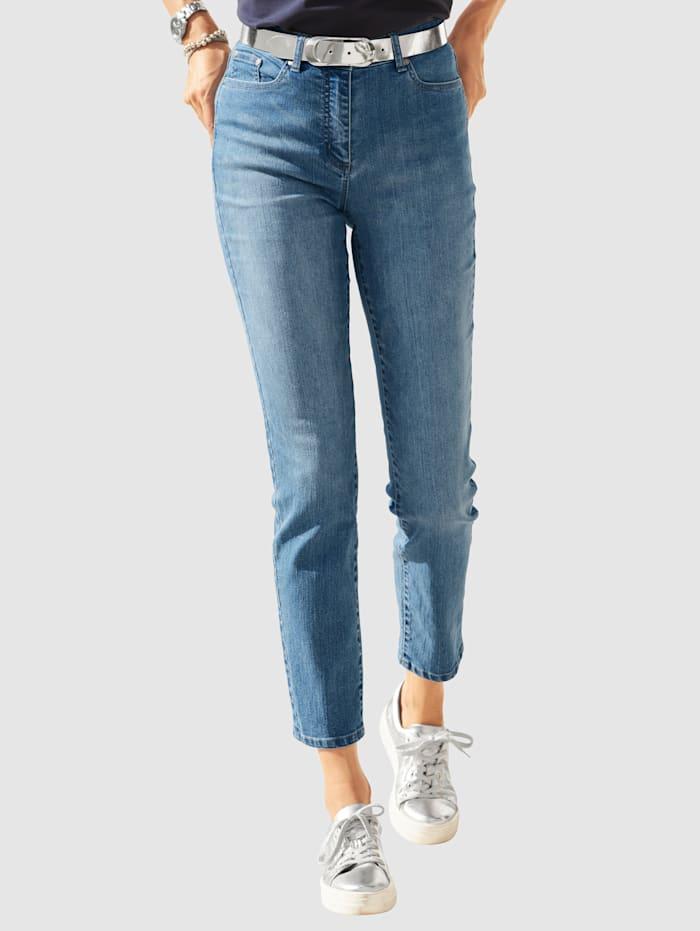 MONA Jeans mit toniger Stickerei auf den Taschen, Hellblau
