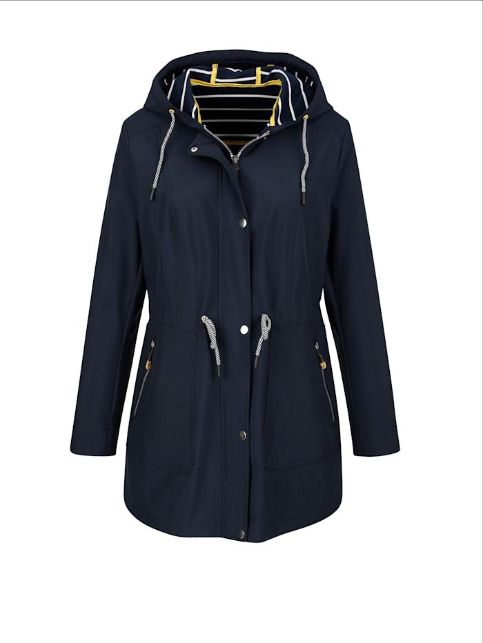 Jacke mit Wetterschutz-Funktion