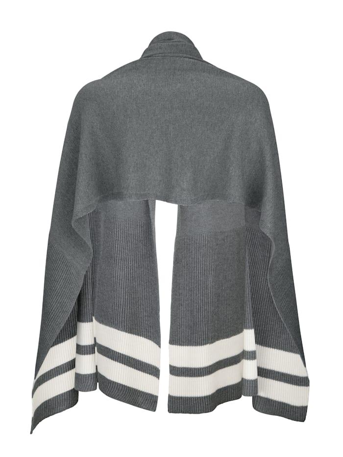 Schal mit aufgesetzten Taschen