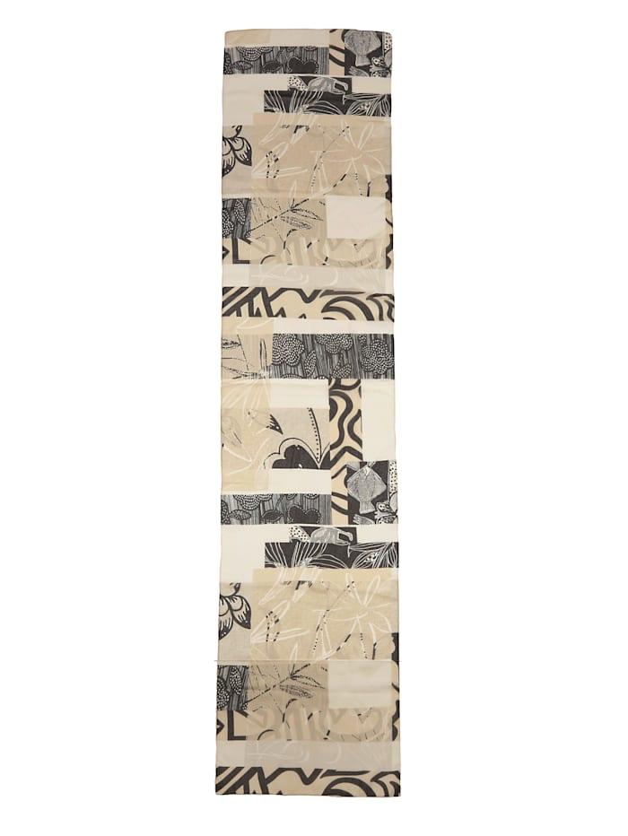 Schal in grafischem Druckdesign