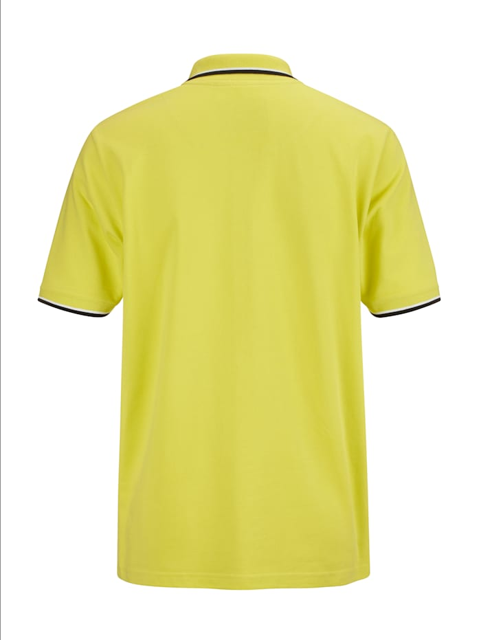 Poloshirt in modischem Look