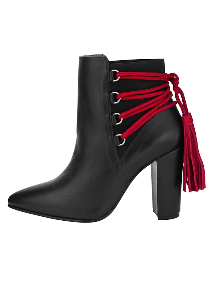 Ankle Boots with refined lacing