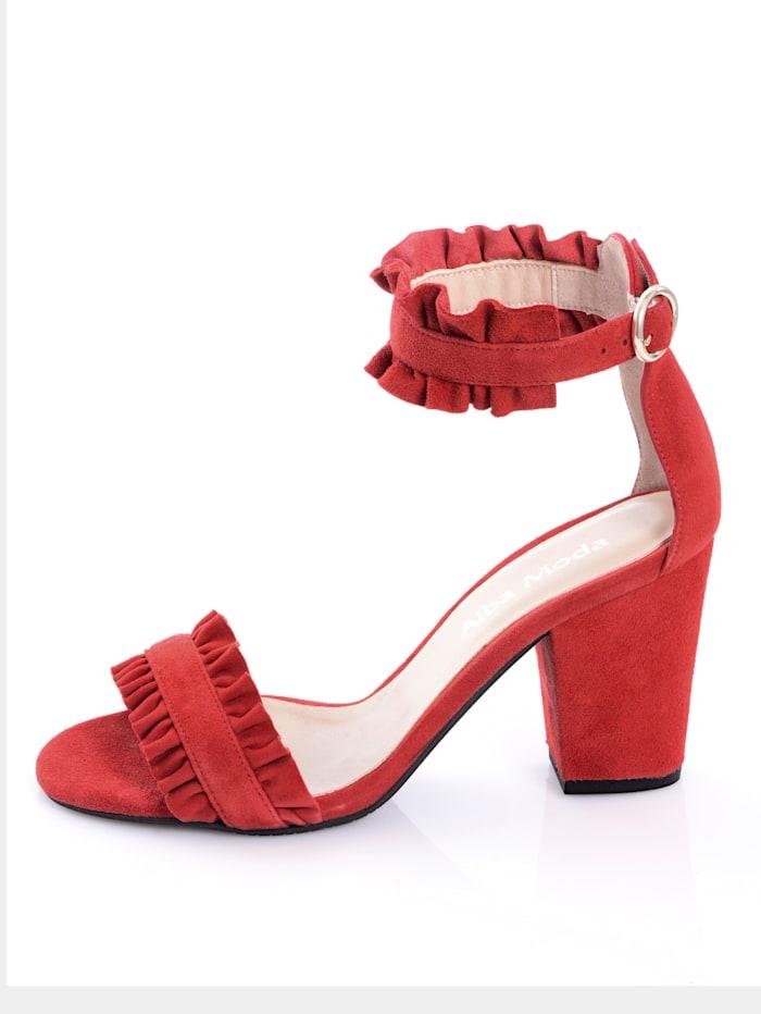 Sandaaltje in vrouwelijk model