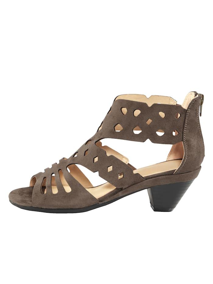 Reikäkuviolliset sandaletit