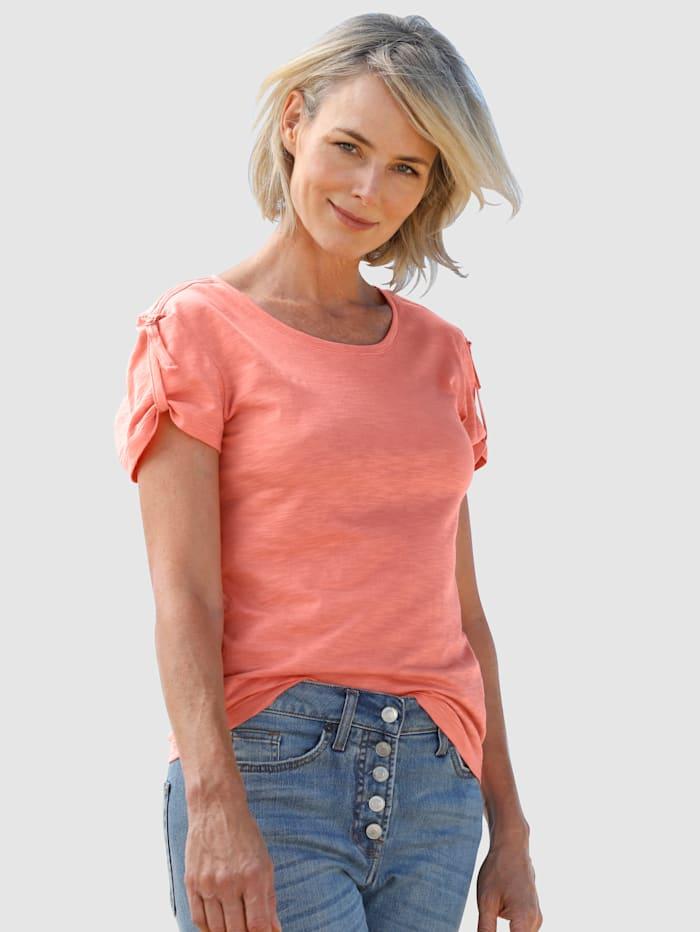 Dress In Shirt mit kleinem Riegeldetail am Arm, Apricot