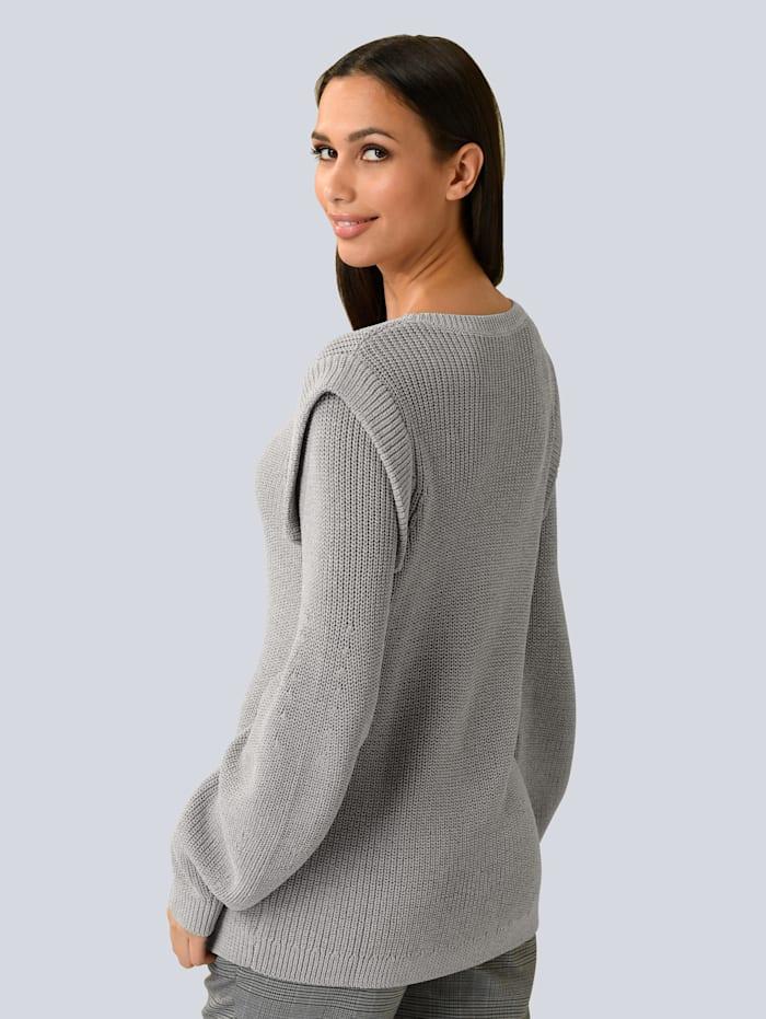 Pullover mit Strickvolants