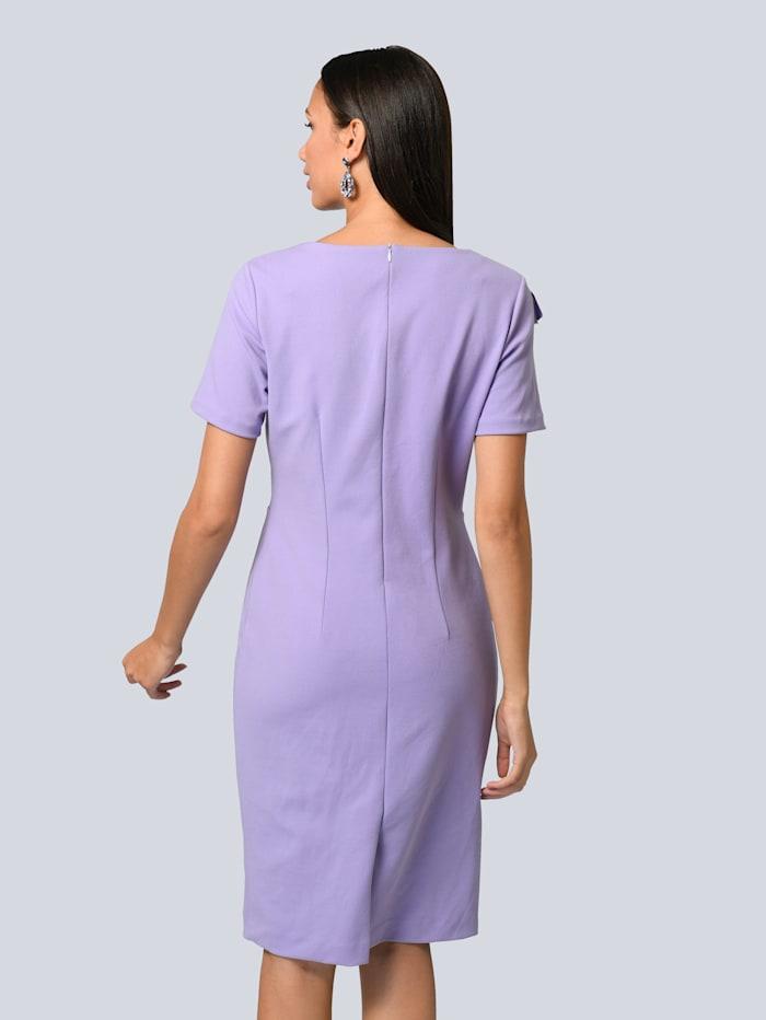 Kleid mit modischem Volant vorne
