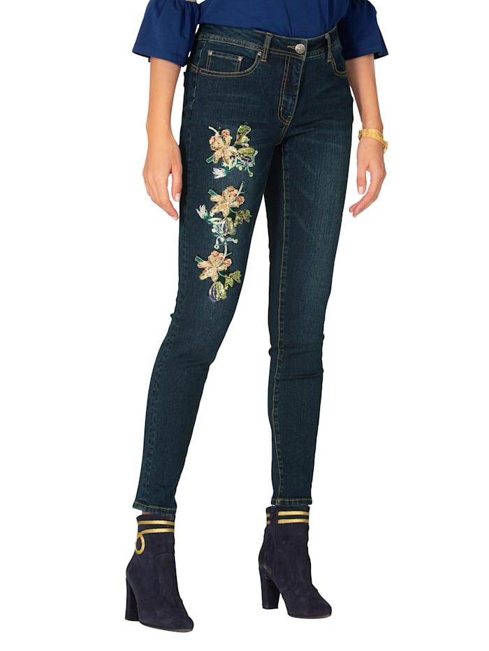 Jeans mit Blütenstickerei und Pailletten