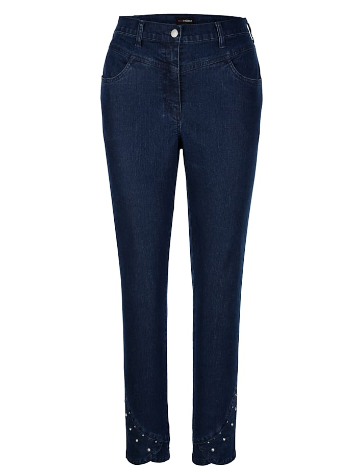 Jeans mit Nieten am Saum