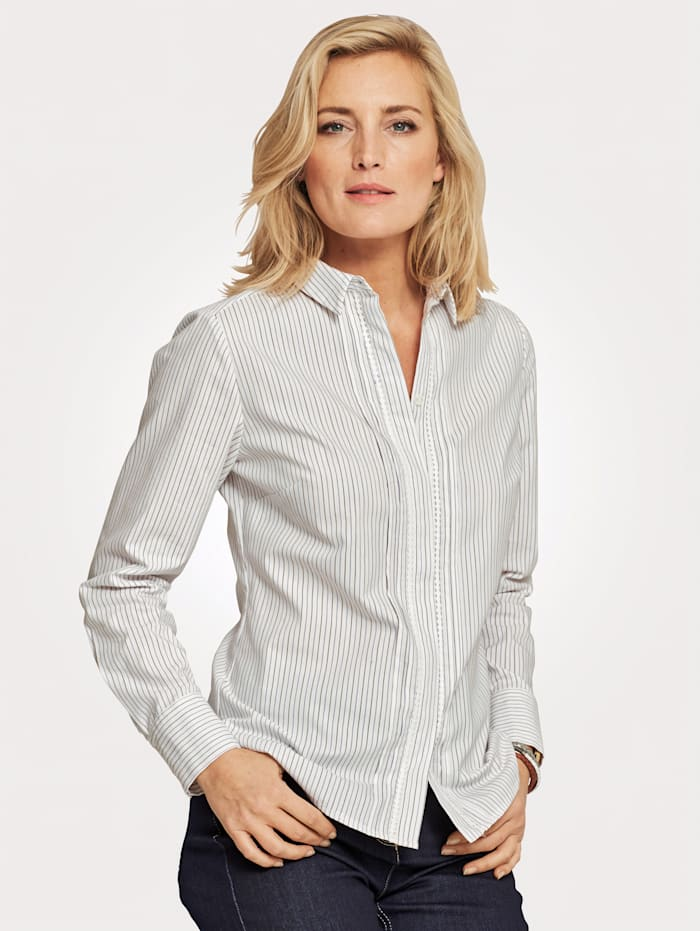 Blouse with delicate lace inserts