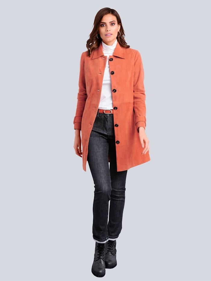 Jeans mit kontrastfarbigem Dekotape