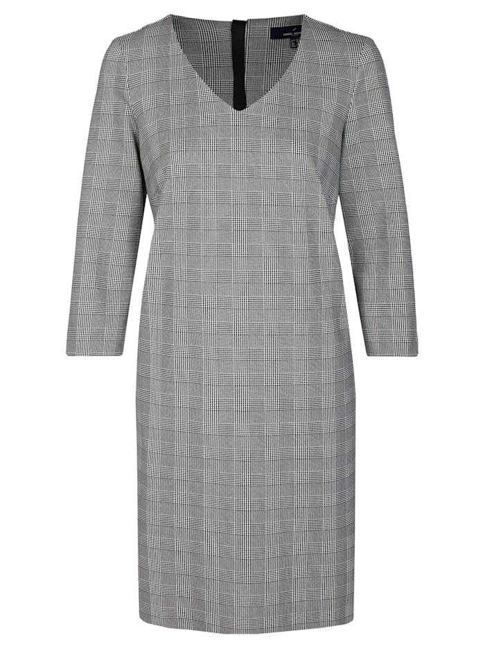 Modernes Kleid mit Karomuster
