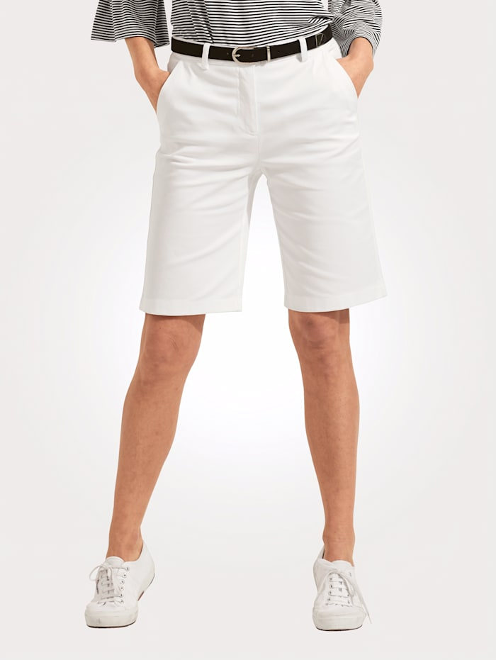 Bermuda shorts made from a comfortable cotton blend
