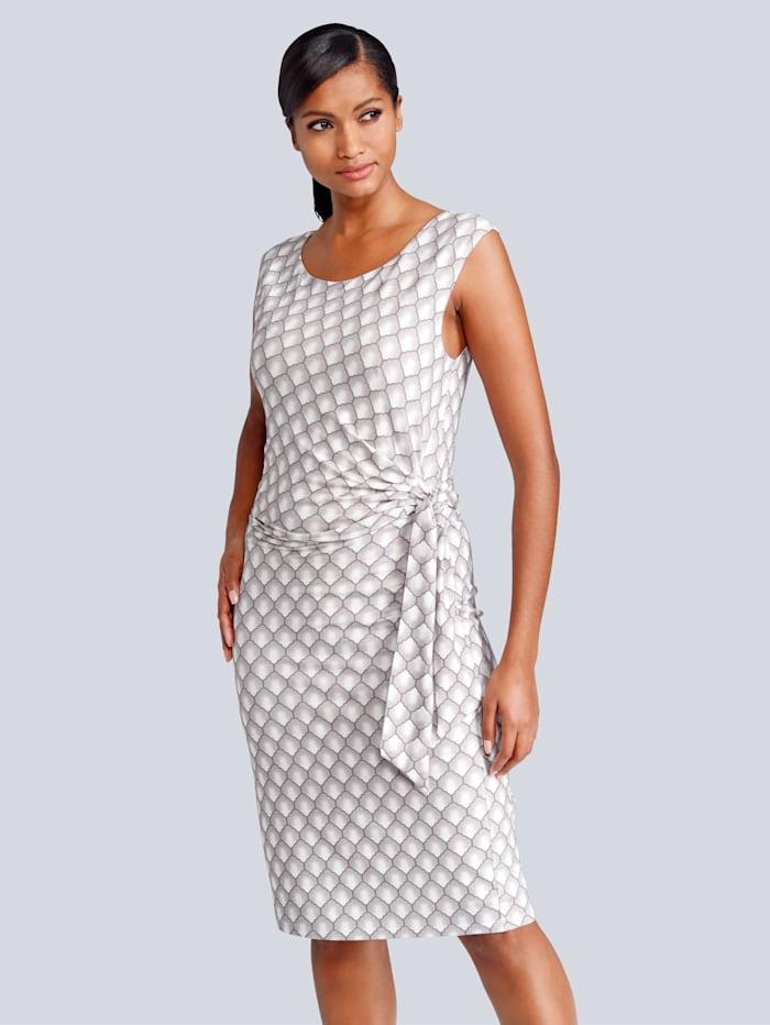 Kleid mit femininer Raffung und Bindeband vorne