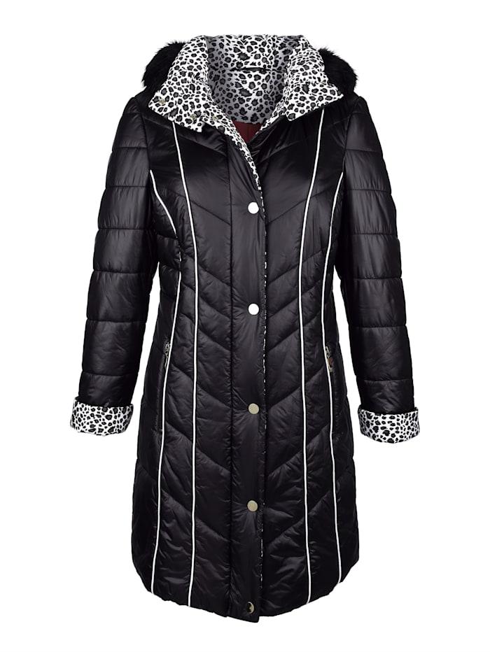 Kabát s kontrastním vypracováním