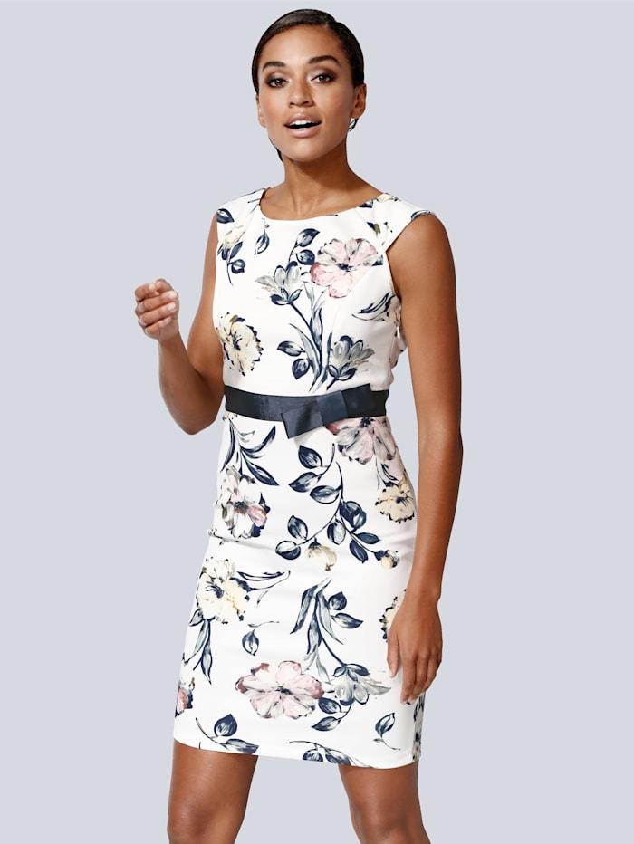 Kleid in femininer Form