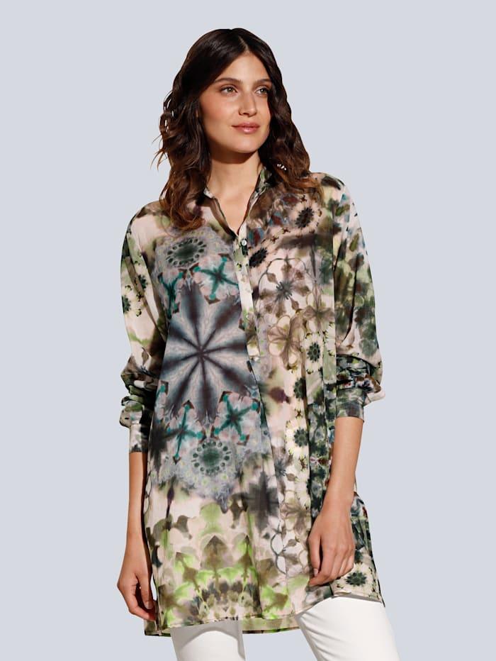Bluse im angesagten Batikdessin