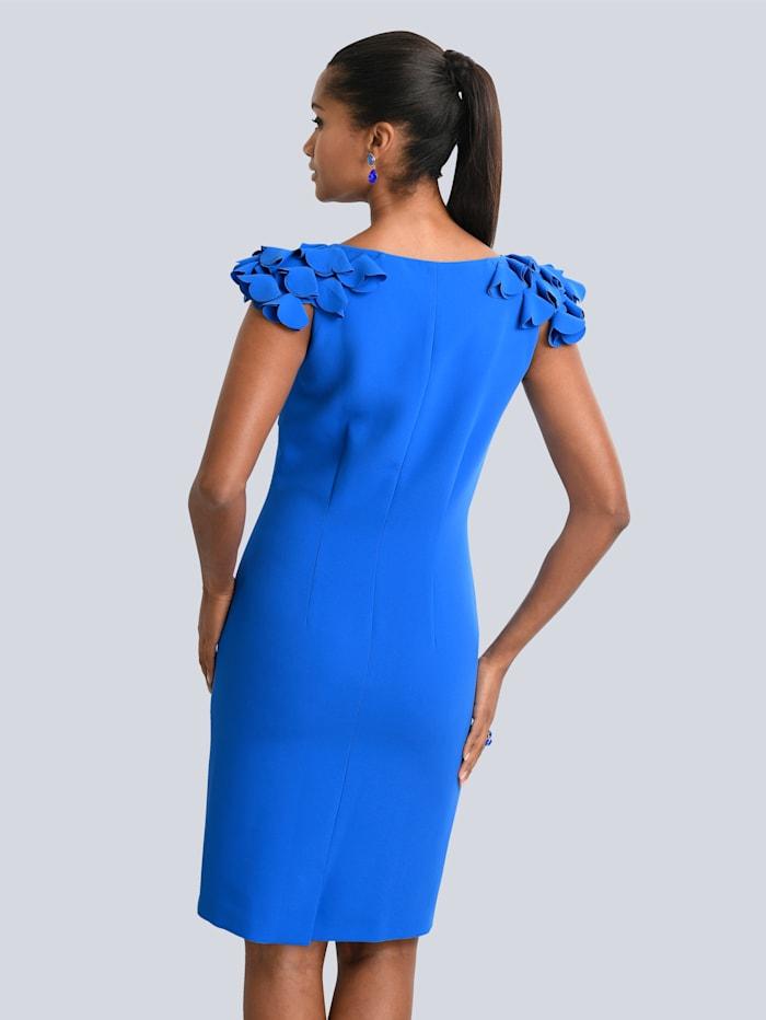 Kleid mit femininen Rüschen