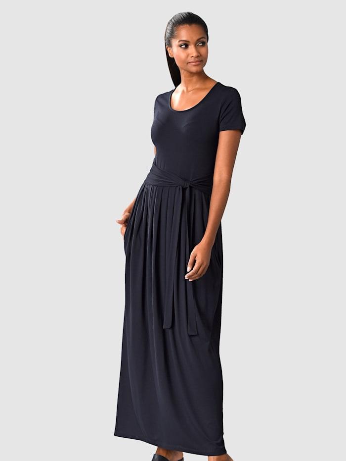 Šaty Rozšířená sukně
