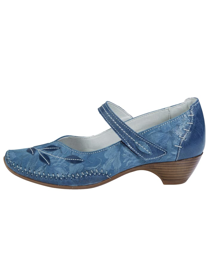 Court shoes with great decorative stichings