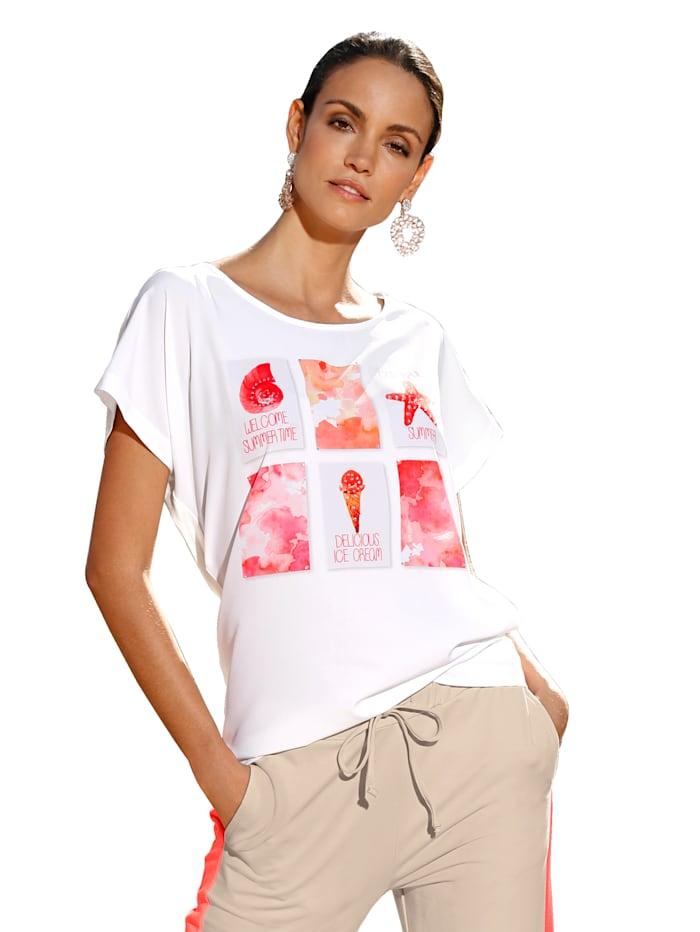 Shirt mit bedruckter Webware und Strasssteindekoration im Vorderteil